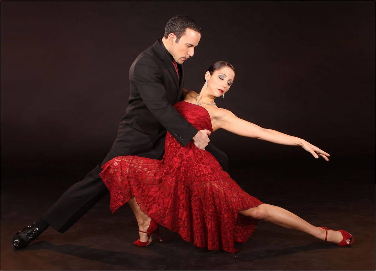 Как влияет косметика и одежда на образ в бальных танцах